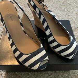 Ann Taylor Navy and White heel sandals